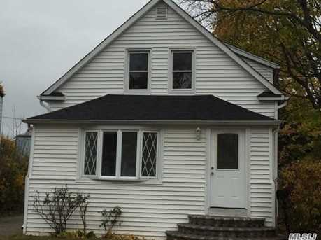 183 Perry St - Photo 1
