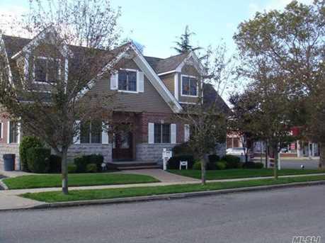 1085 Jackson Ave - Photo 1