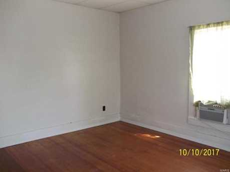 209 South Court - Photo 4