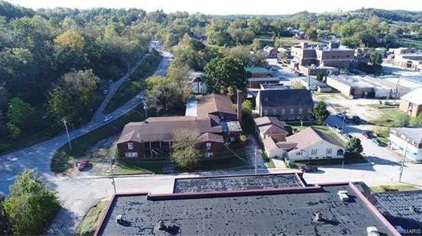 404 School St - Photo 2