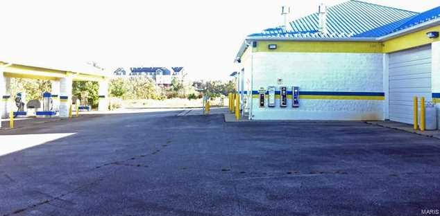 119 Carson Boulevard - Photo 8