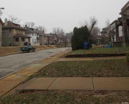5960 Oakherst Place #1 - Photo 4