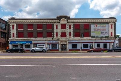2800 North Grand Boulevard #203 - Photo 1