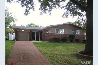 7216 Waterford Drive - Photo 1