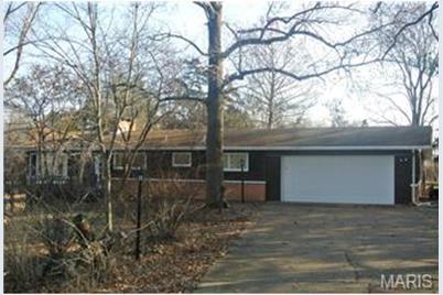 3616 Twin Oaks Drive - Photo 1