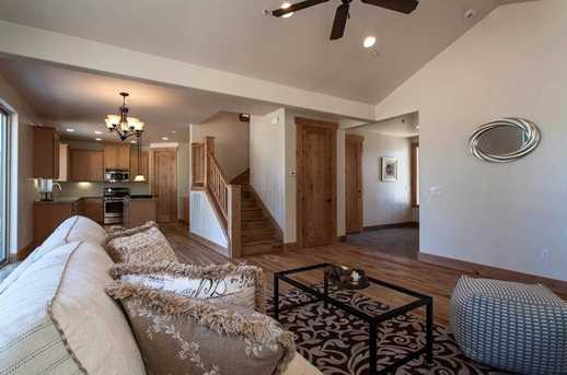 11374 Saddleback Dr - Photo 4