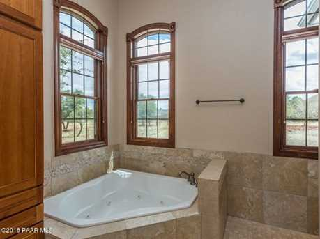 8205 N Williamson Valley Rd - Photo 16