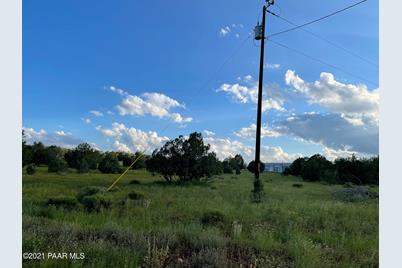 1608 Ridgeview Drive - Photo 1