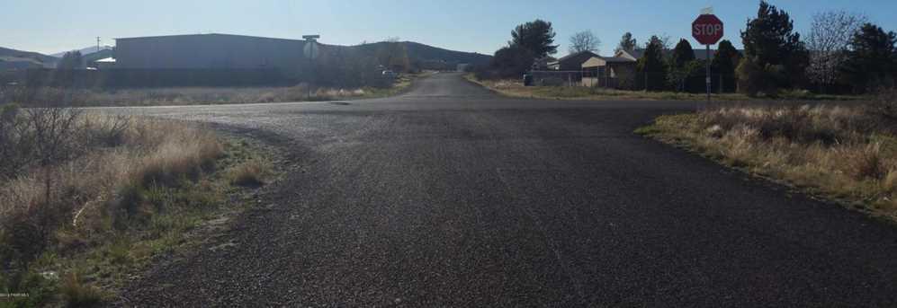 20409 Conestoga Drive - Photo 10