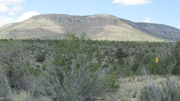 1829 Silent Spring Canyon - Photo 18