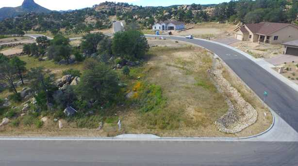 916 Downer Trail - Photo 1