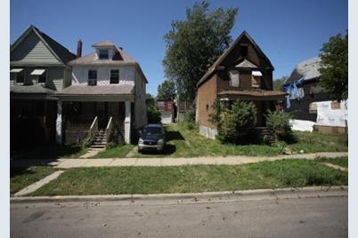6610 S Loomis Boulevard - Photo 1
