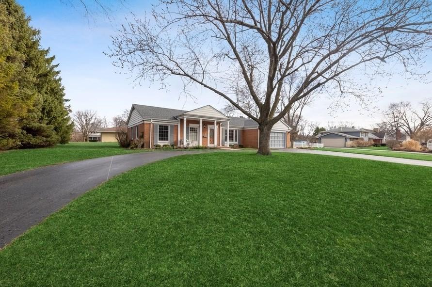 1140 Longmeadow Ln, Western Springs, IL 60558