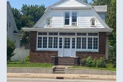 1121 St. Vincents Avenue - Photo 1