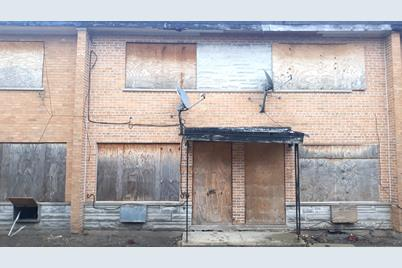 1315 E 75th Street #E - Photo 1