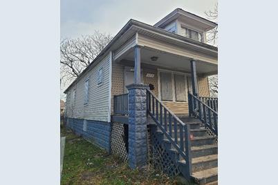 6359 S Hoyne Avenue - Photo 1