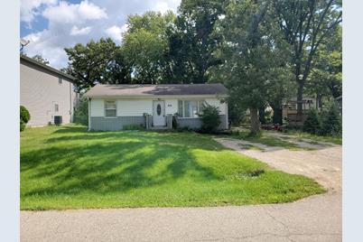 3012 E Hickory Drive - Photo 1