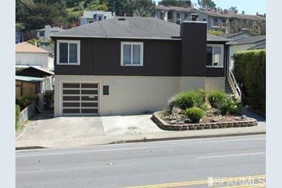 1405 Hillside Boulevard - Photo 1