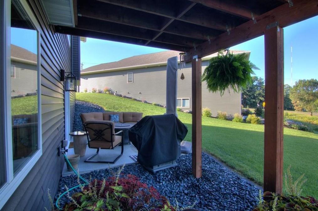 168 Club View Ln, Altoona, WI 54720