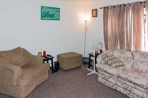 525 Oak Ridge Lane - Photo 2