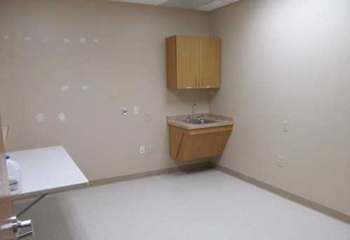215 Corporate Dr #h - Photo 6
