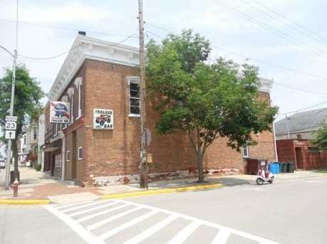 301 Main St - Photo 2