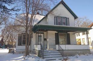 512 Center Ave - Photo 1