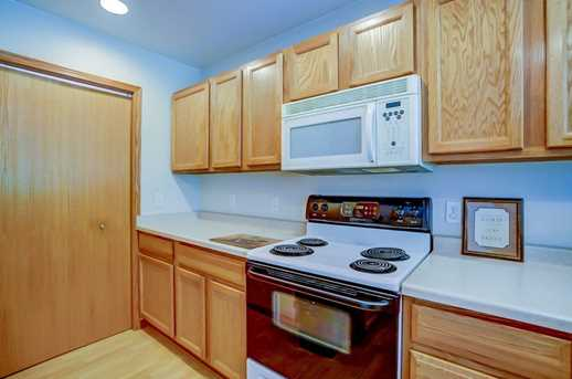 3020 Selkirk Dr #4 - Photo 4