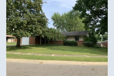 1719 Foxchase Road - Photo 1
