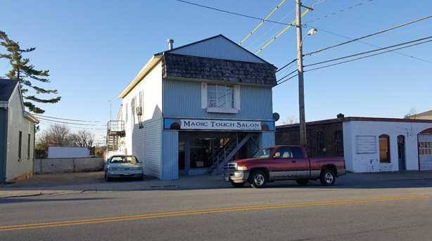113 W Walnut Street - Photo 1