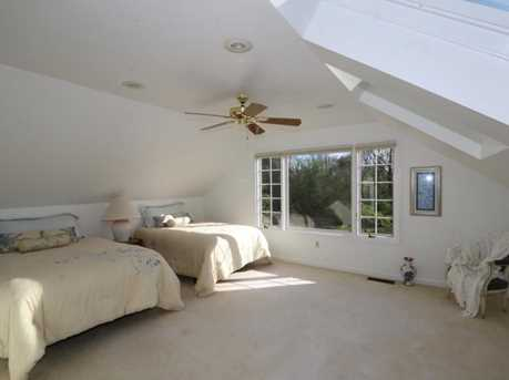8755 Old Indian Hill Road - Photo 16