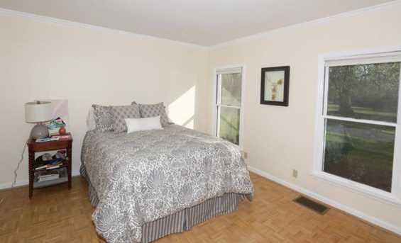 8755 Old Indian Hill Road - Photo 18
