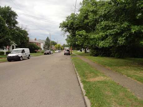 220 Burkhart Avenue - Photo 2