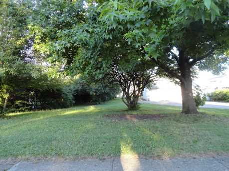 220 Burkhart Avenue - Photo 6