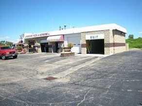2401 Carmody Boulevard - Photo 2