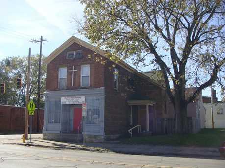 663 East Avenue - Photo 2