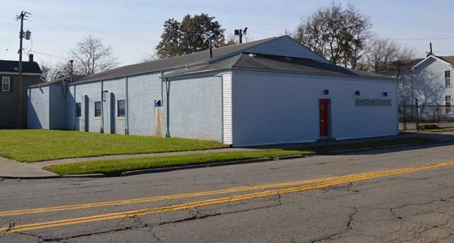 1213 Maple Avenue - Photo 2
