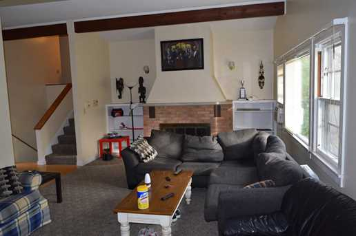 319 West Sycamore Street - Photo 4
