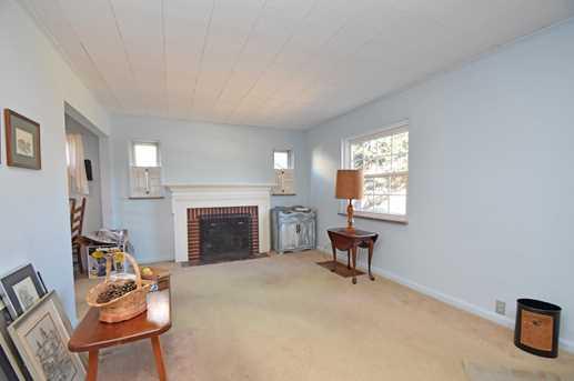 1613 Bloomingdale Avenue - Photo 2