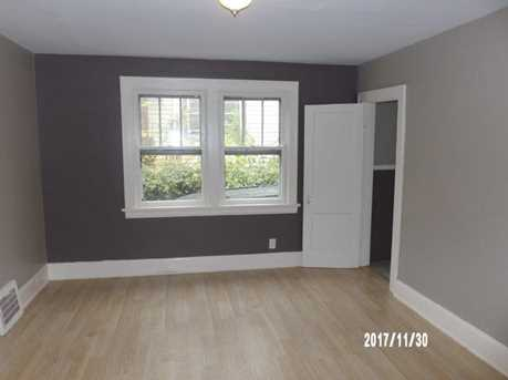 1749 Lawn Ave - Photo 4
