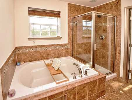 7975 Valley Crossing Drive - Photo 16