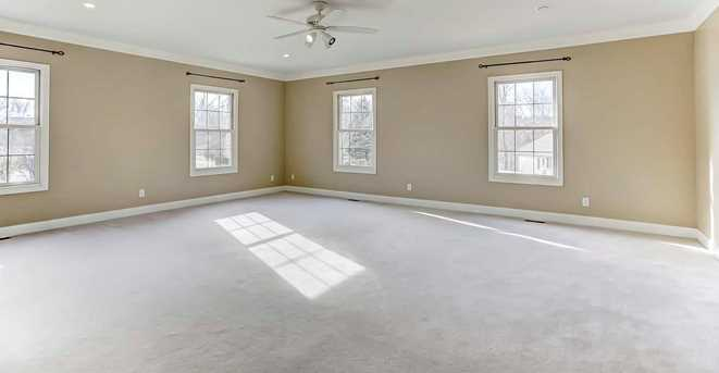 320 Summer View Drive - Photo 10
