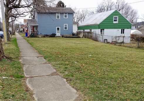 1445 Kahn Ave - Photo 4