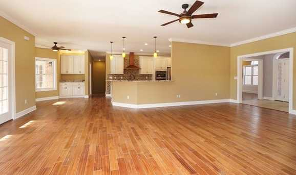 7450 Old Woods Court - Photo 8