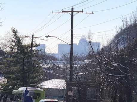 1653 Tremont Ave - Photo 4