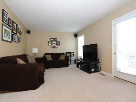 4640 Laurel View Drive - Photo 4