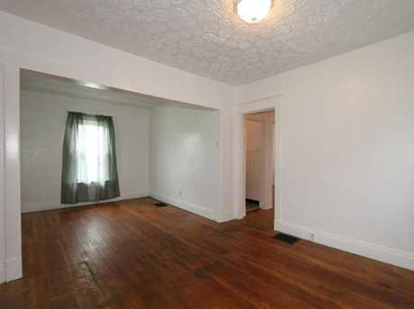 2413 Grand Ave - Photo 4