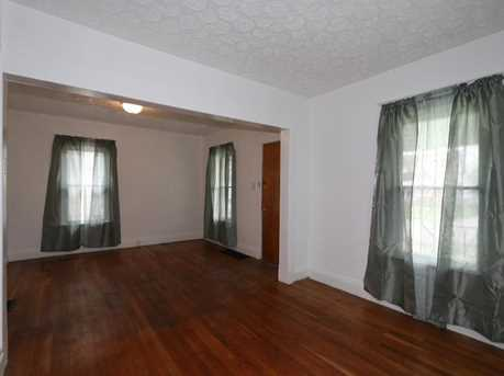 2413 Grand Ave - Photo 6