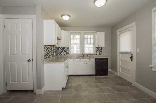 323 Bellaire Ave - Photo 2