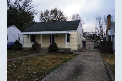 1020 Corwin Avenue - Photo 1
